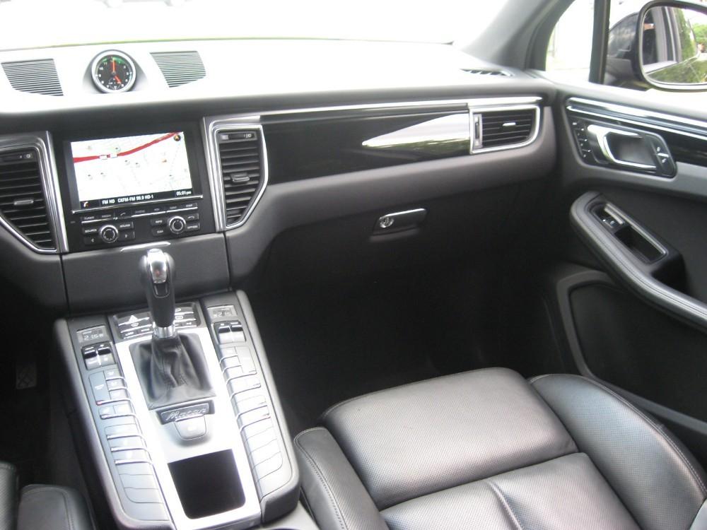 2015 PORSCHE MACAN S+NAVIGATION+PANO ROOF+LOADED - Car